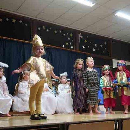 Christmas Nativity – YR