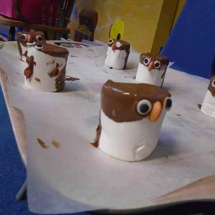 Making Christmas penguins – Y2