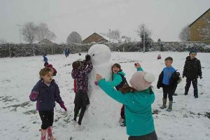 Y2 Fun in the Snow 11 2018-2019