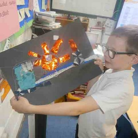 Seaside topic 'The Wave' art – Y3