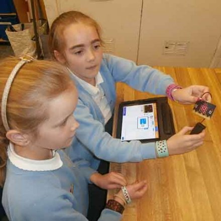 Coding Club use Microbits – Y4